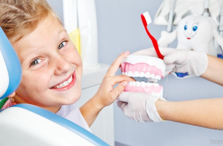 Зачем нужна детская стоматология в Омске?